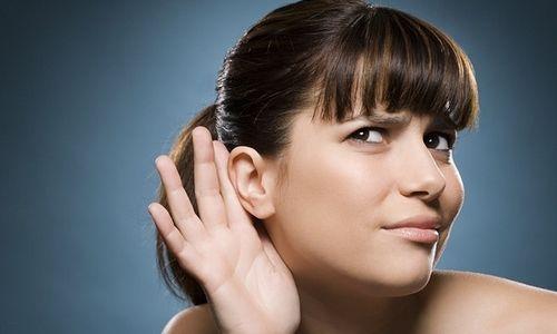Снижение качества слуха как причина серной пробки в ухе