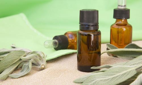 Лечение больного уха камфорным маслом