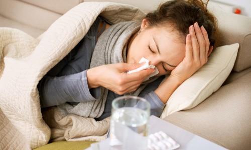 Почему при простудных заболеваниях начинает болеть голова?