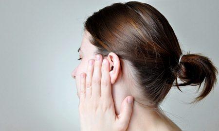 Болит ухо после купания в море