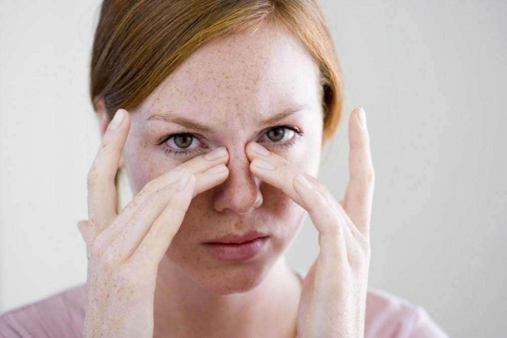 Почему при нажатии болит кончик носа