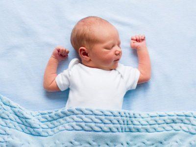 Является ли частое дыхание новорожденного во сне нормой?